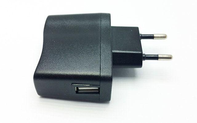 Univerzální 5V adaptér pro USB kabely